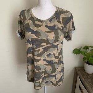 🌛cable and gauge 🌛 camo tee